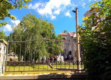 crkva okupljanje korona